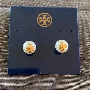 Tory Burch Evie Pearl Stud Logo Earrings